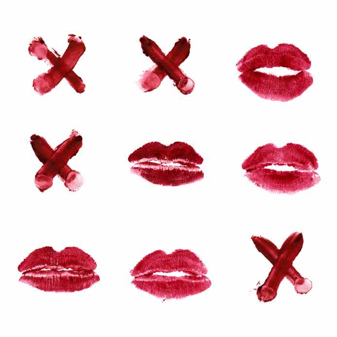 tic tac toe using lipstick. xs and kissmarks