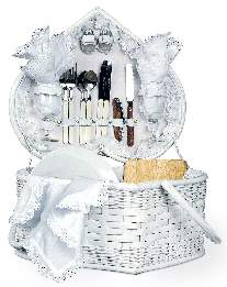 gorgeous wedding picnic basket makes classy gift